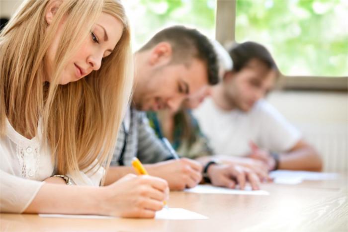 Préparation aux examens TOEIC à Tarbes Hautes Pyrénées - avec des bases fortes en anglais et des astuces clés de l'examen, ces stagiaires sont prêts à prendre la prochaine étape dans leurs études et leurs projets professionnels.