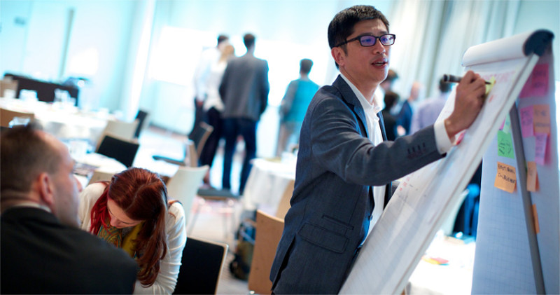 Anglais professionnel - faire une formation au sein de votre entreprise avec vos collègues.