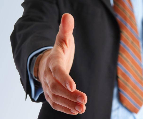 Osez parler anglais la prochaine fois que vous vous présentez à un client ou un fournisseur international.